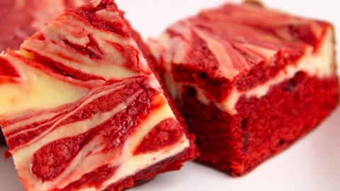 RED VELVET CHEESECAKE FIT